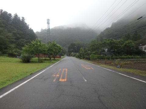 滋賀坂峠への道